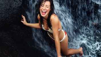 evangelinelilly_2_3