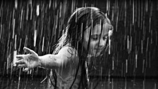 The_Girl_in_the_rain2