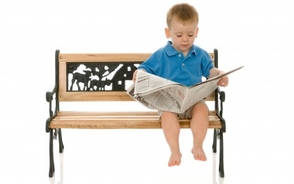 baby-can-read-newspapers_422_78783