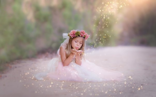 1787833-1680x1050-copii-girl-pixie-dust